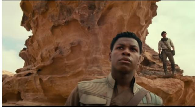 STAR WARS Episode 9: THE RISE OF SKYWALKER Trailer (2019). [Image source/Movie Trailers Source YouTube video]