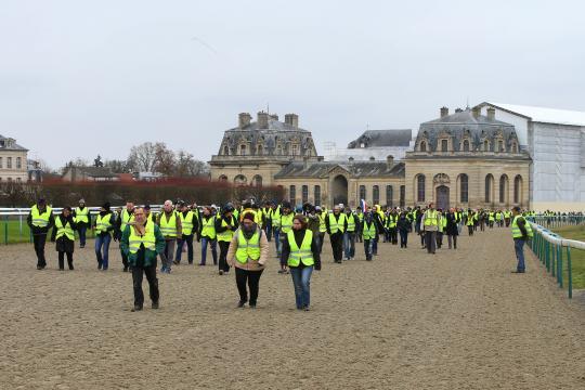 L'acte 9 des Gilets jaunes à Chantilly - Jour de Galop - jourdegalop.com
