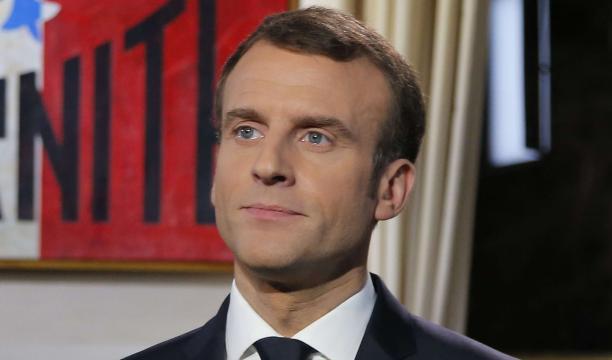 Emmanuel Macron : une femme de 32 ans porte plainte contre lui - Voici - voici.fr