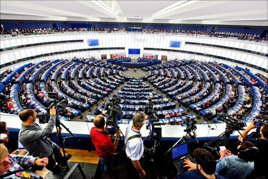 Les non-inscrits, troisième force politique du Parlement européen ... - euractiv.fr