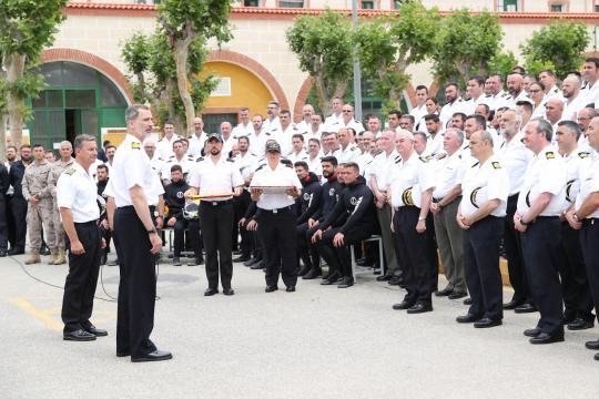 El Rey felicita a los miembros de la Flotilla de Submarinos por la brillantez de la operación Cartago