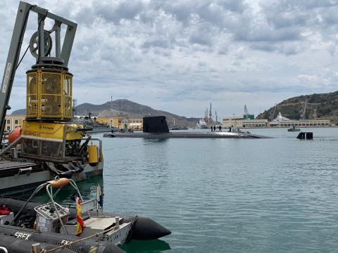 El Tramontana parte a iniciar el ejercicio, le toca el papel de buque en peligro