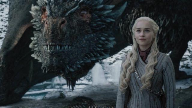 Daenerys e Drogon sorridono verso il cielo