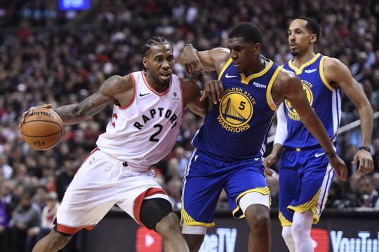 Los Warriors hicieron un buen trabajo limitando a Leonard.www.thenationalherald.com