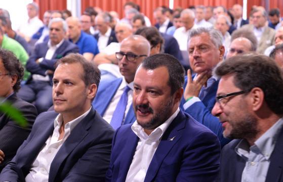 A Piacenza prestigioso intervento di Armando Siri sulla Flat Tax ... - tassaunica.it