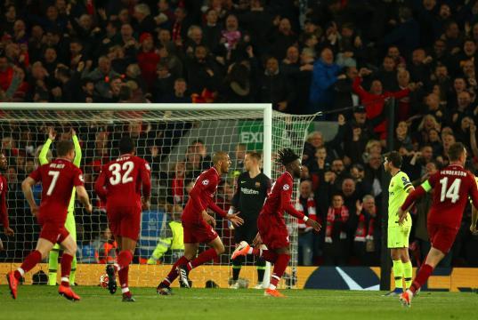 Liverpool dio una noche mágica de futbol.www.sneakpeekreports.com