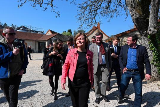 Nathalie Loiseau a figuré sur une liste d'extrême droite dans sa ... - parismatch.com