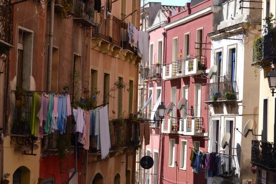 Il suggestivo quartiere della Marina a Cagliari.