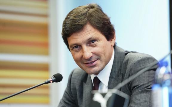 PSG : Mohamed Bouhafsi annonce la date du retour de Leonardo ! - footradio.com