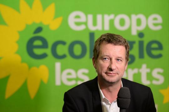 Pics de pollution : Yannick Jadot attaque le gouvernement - parismatch.com