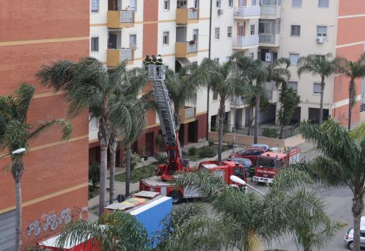 Reggio Calabria: donna tenta il suicidio. Salvata dai Vigili del Fuoco