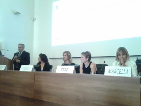 Atlete e relatori del dibattito a Villa Magnisi (foto di Sabrina Longi)