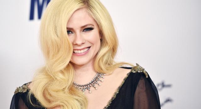 Avril Lavigne, in un'immagine promozionale del 2019