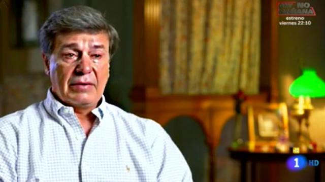 Cayetano Martínez de Irujo llora amargamente tras recordar su infancia
