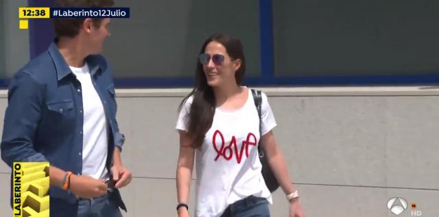 Rivera sale mucho más delgado del hospital con Malú y una camiseta ... - elnacional.cat