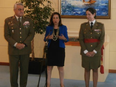 La Ministra de Defensa hizo su propia valoración del ascenso de la general enmarcándolo en el contexto político actual