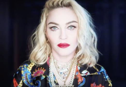 Madonna in un frammento del video per