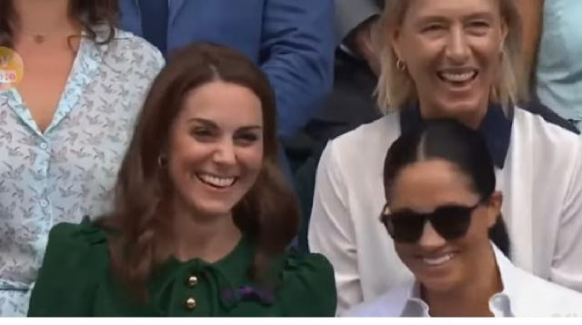 Kate Middleton shared a sweet moment when she puts her arm around Meghan Markle at Wimbledon. [Image source/TV News 24h YouTube video]