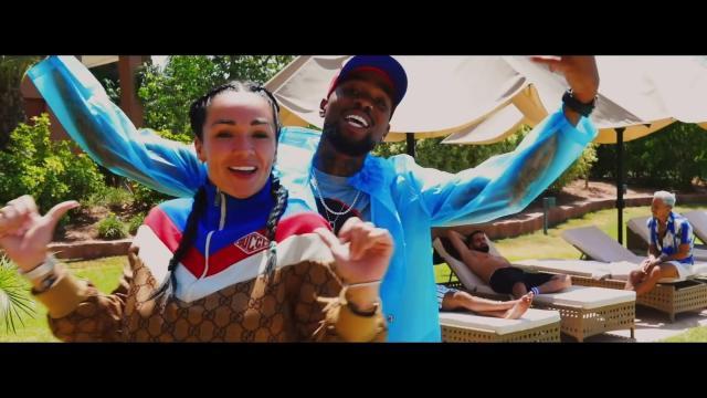 Vidéo YouTube SISIK - Birthday (JLC FAMILY): mode, look, outfits ... - spotern.com