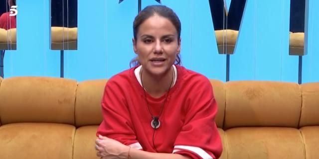 Mónica Hoyos acerca posturas con el Koala en 'GHVIP 6':
