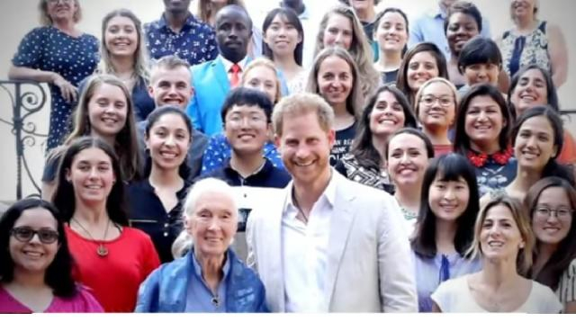 Prince Harry meets with renowned conservationist Jane Goodall. [Image source/Good Morning America YouTube video]