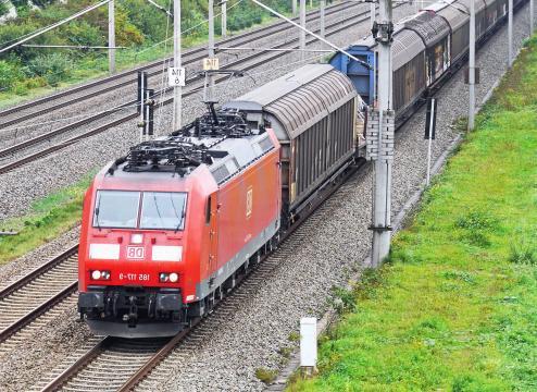 Image libre: Locomotive, véhicule, train, transport, fret, chemin ... - pixnio.com