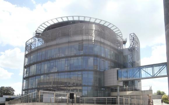 Imagen del edificio principal del CNI en un complejo vigilado al norte de Madrid.