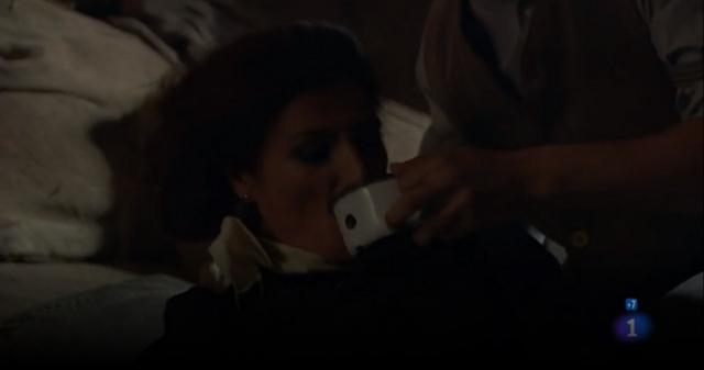 Silvia Reyes viene rapita da un misterioso uomo.