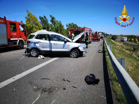 Tragico incidente mortale in autostrada tra Eboli e Campagna