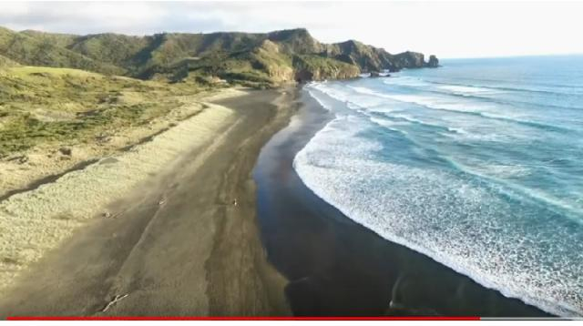 Auckland Bethells beach. [Image source/Alexey Efimov YouTube video]