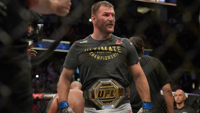 Stipe pudo sacar una pelea de la nada a Cormier para ser dos veces campeón pesado. www.usatoday.com