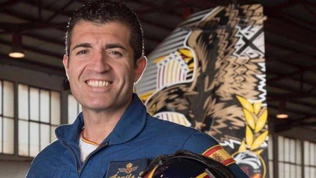 El comandante Francisco Marín Núñez muerto en acto de servicio al estrellarse su avión contra el mar