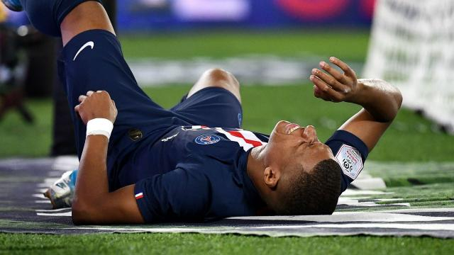 Paris Saint-Germain 4-0 Toulouse: Mbappe and Cavani injured in ... - yahoo.com