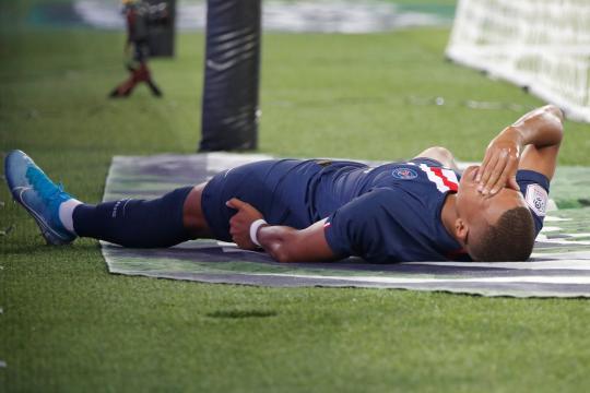 PSG : Mbappé et Cavani blessés - parismatch.com