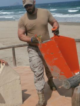 Recogida de los restos de la aeronave que llegaron a las playas