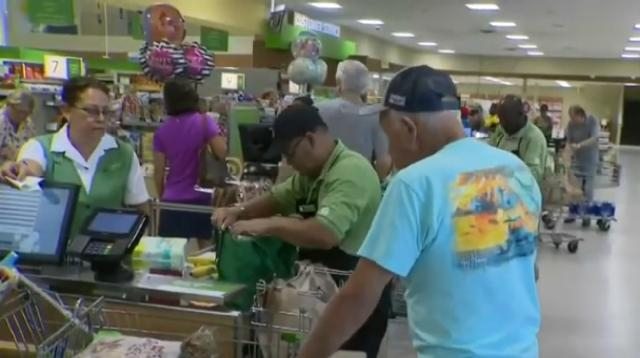 South Florida residents stocking up ahead of Hurricane Dorian. [Image source/CBS Miami YouTube video]
