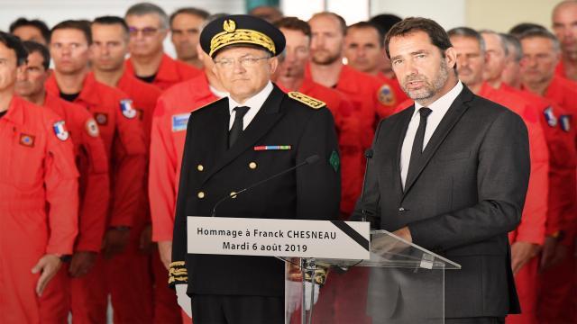 Hommage au pompier Franck Chesneau : « Il est parti en héros ... - dailymotion.com