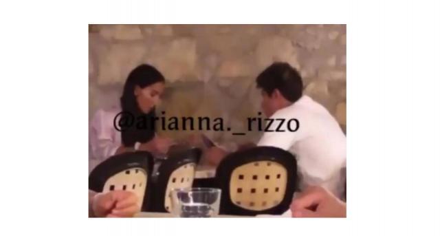 Paola e Fede insieme a cena in un ristorante: si parla di ritorno di fiamma.