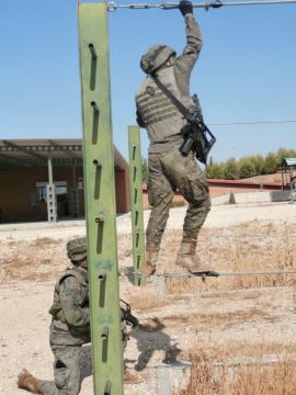 El entrenamiento es exigente y forma a la tropa de manera eficaz