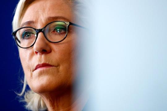 A Beaucaire, Marine Le Pen dénonce une immigration