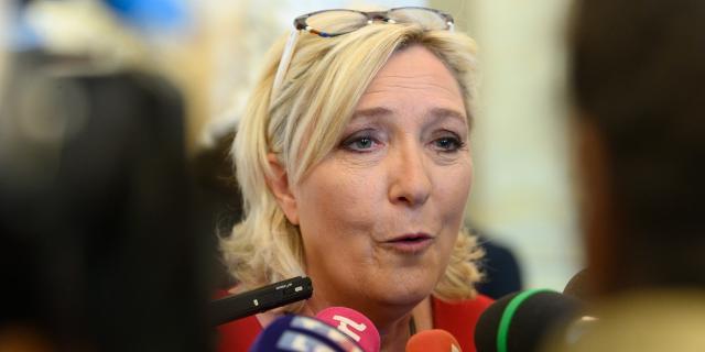 Marine Le Pen veut faire de Fréjus sa tête de pont pour les ... - lejdd.fr