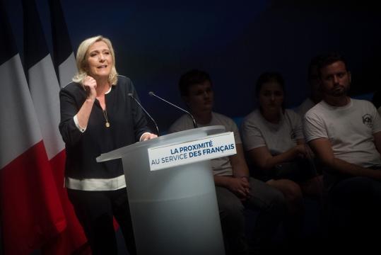 Présidentielle 2022 : Marine Le Pen doit tenter