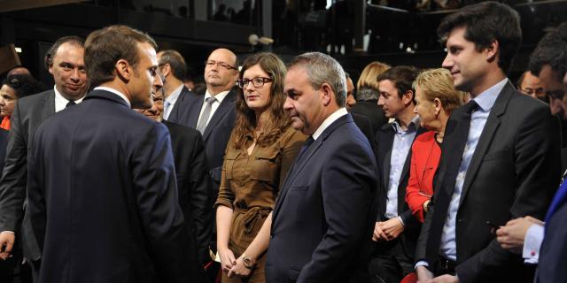 Emmanuel Macron accuse Xavier Bertrand de