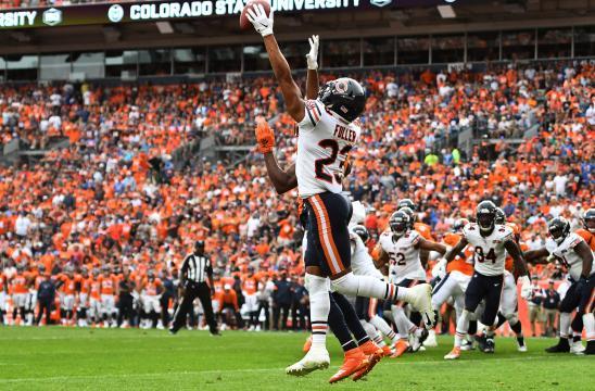 Kyle Fuller tuvo una INT clave tarde en el partido para los Bears.www.usatoday.com