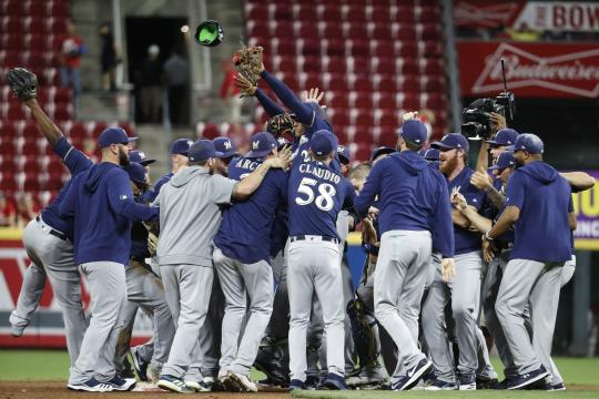 Brewers irán a playoff por 2do año consecutivo. www.apnews.com