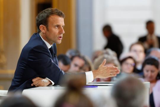 Plutôt qu'un acte II, Emmanuel Macron approfondit l'acte I du ... - sfr.fr