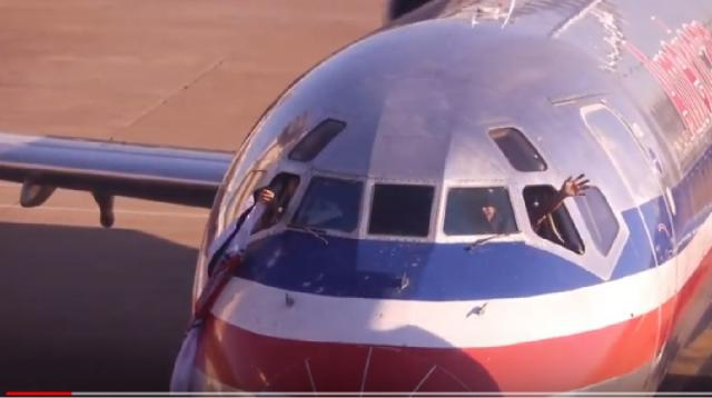 American Airlines bids farewell to