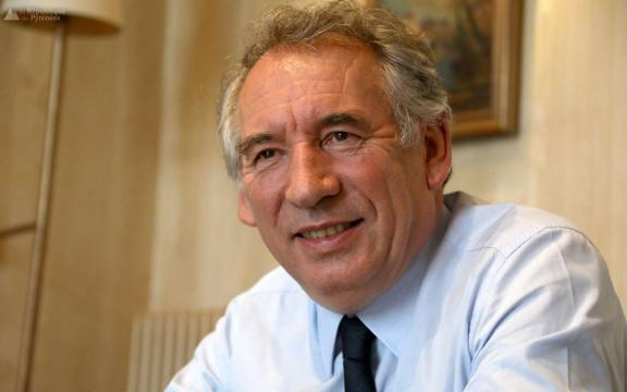 Pau : François Bayrou prépare une liste pour les municipales - La ... - larepubliquedespyrenees.fr