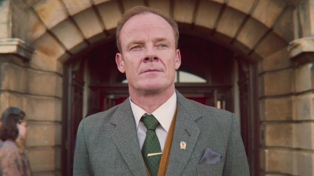 El director del instituto de la serie