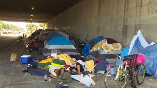 Paradise Lost: Homeless in Los Angeles. Image source/KOMO News YouTube video]